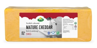 Arla Red Tractor Mature Coloured Cheddar
